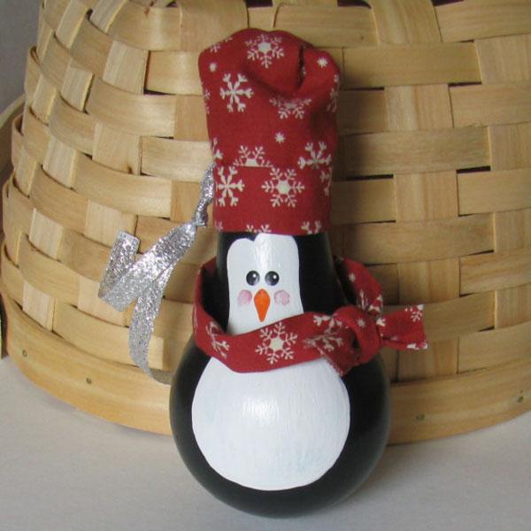 Pinguino con lampadine usate n.4