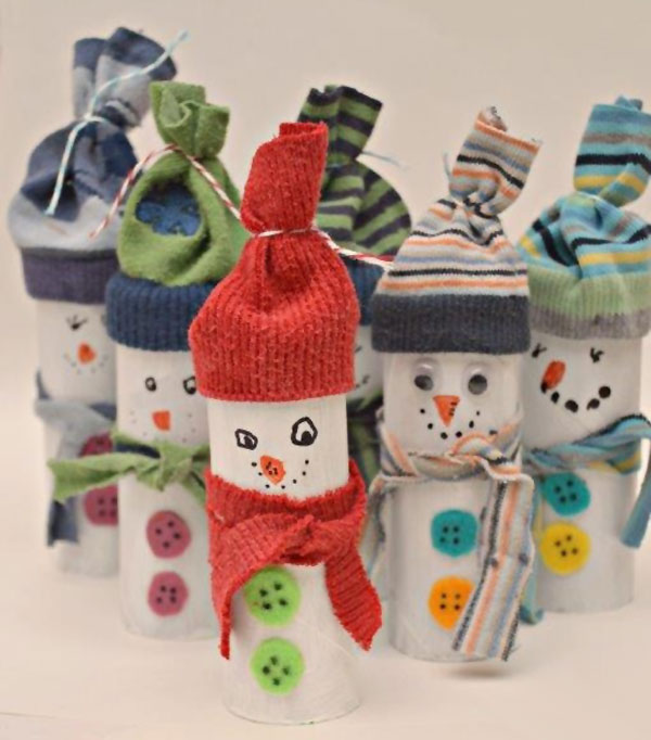Versione dei pupazzi di neve con rotoli di carta n.3