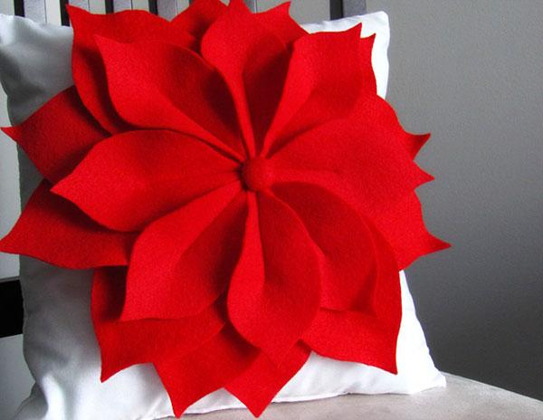 Modello di stella di Natale in feltro fai da te n.10