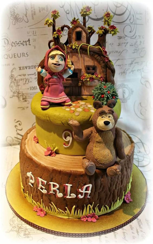 Torte di masha e orso in pasta zucchero per