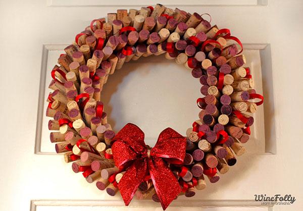 Modello di ghirlanda natalizia con tappi di sughero n.01