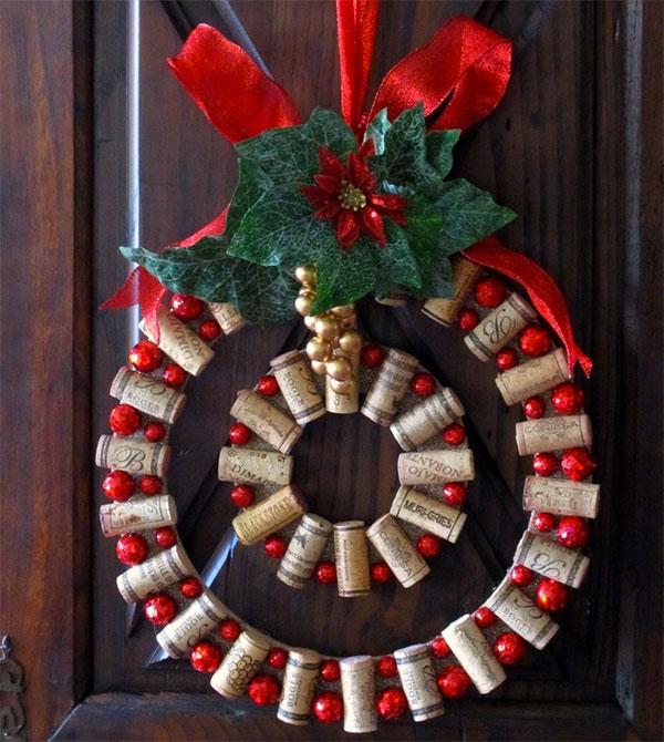 Modello di ghirlanda natalizia con tappi di sughero n.05