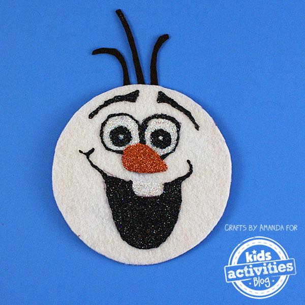 Come creare Olaf con vecchi CD e feltro