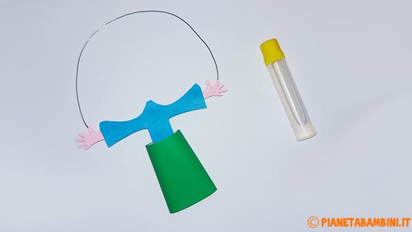 Come colorare il rotolo di carta del pagliaccio