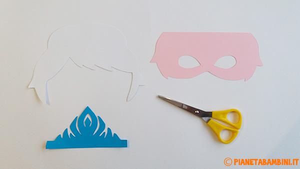 Come ritagliare le parti che comporranno la maschera di Elsa