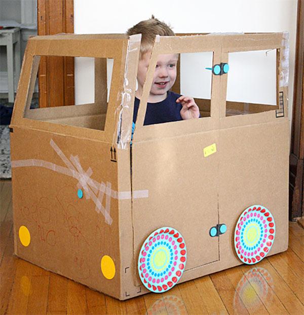 Idee per lavoretti con scatole di cartone bambini