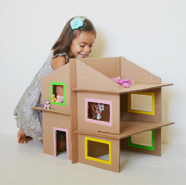 30 idee per lavoretti con scatole di cartone per bambini - Casa di cartone ...
