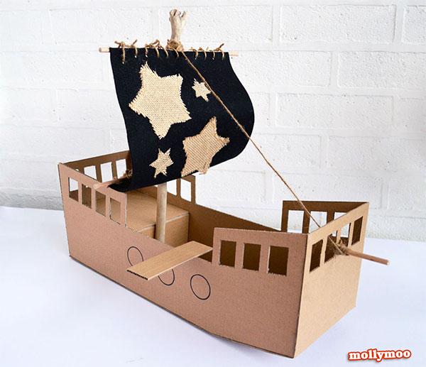 Come creare una nave dei pirati con il cartone