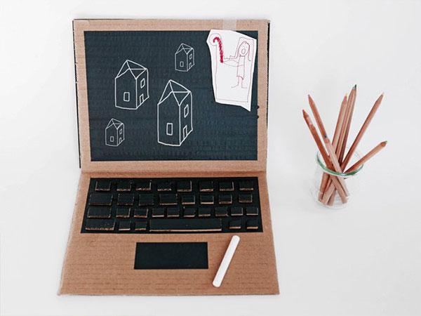 Come creare un pc portatile con il cartone
