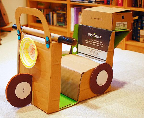 Come creare uno scooter con il cartone