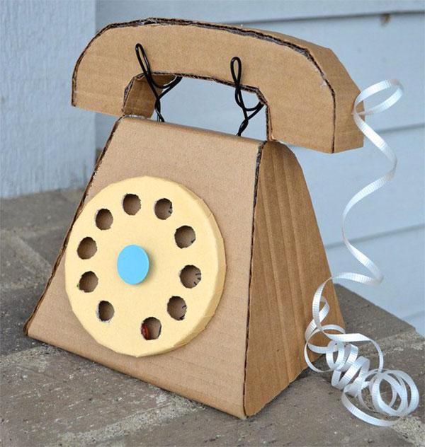 Come creare un telefono con il cartone