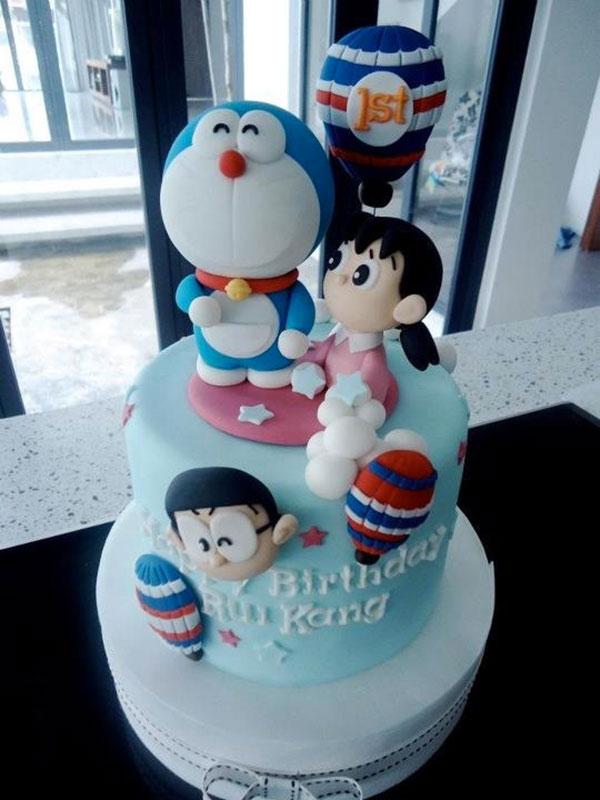 Torta di Doraemon in pasta di zucchero n.07