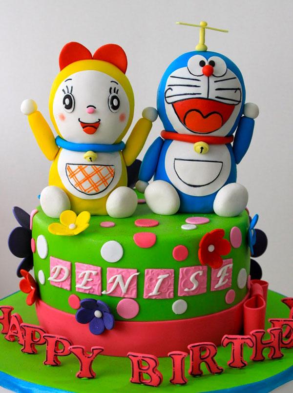 Torta di Doraemon in pasta di zucchero n.09