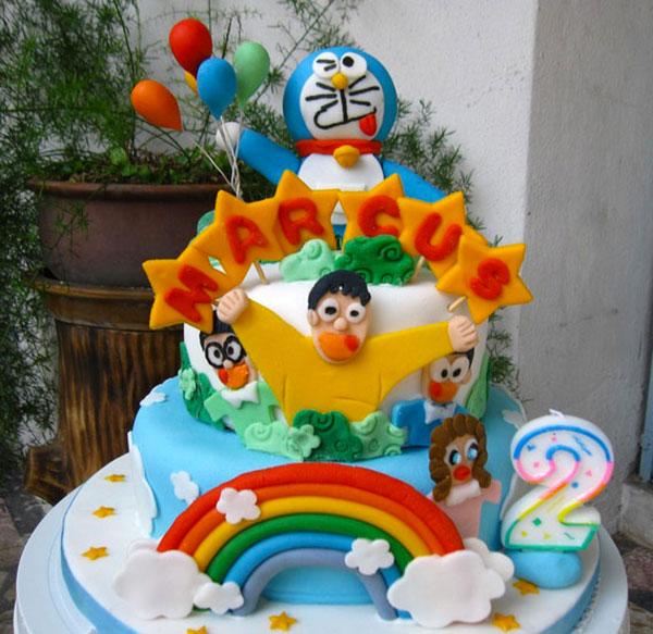 Torta di Doraemon in pasta di zucchero n.14