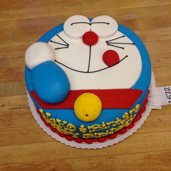 Torta di Doraemon in pasta di zucchero n.15