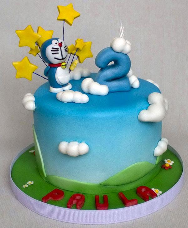 Torta di Doraemon in pasta di zucchero n.18