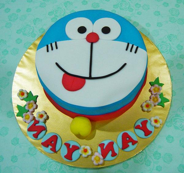 Torta di Doraemon in pasta di zucchero n.25