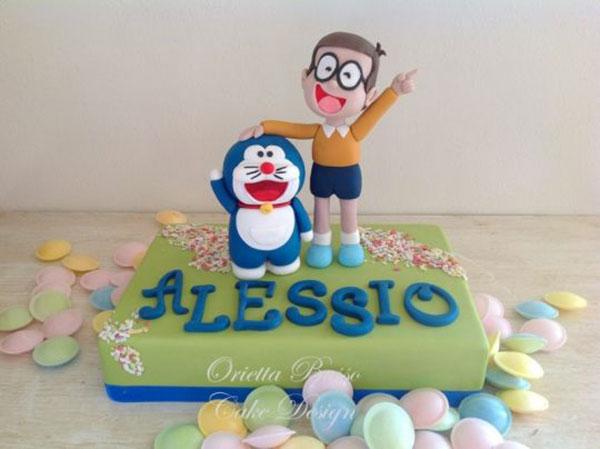 Torta di Doraemon in pasta di zucchero n.27