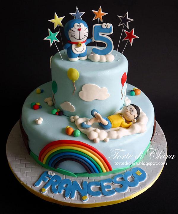 Torta di Doraemon in pasta di zucchero n.32