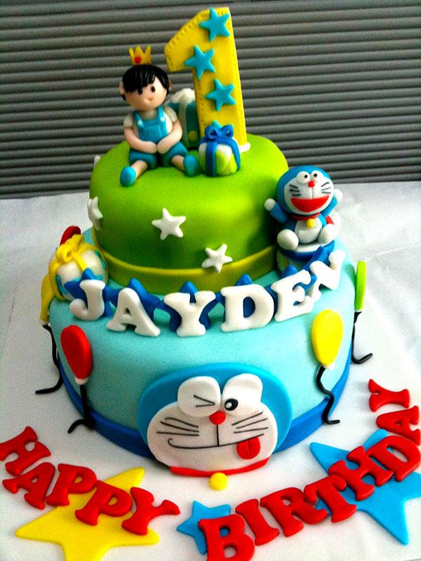 Torta di Doraemon in pasta di zucchero n.33
