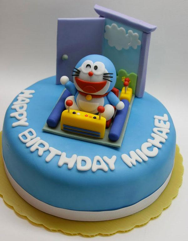 Torta di Doraemon in pasta di zucchero n.35
