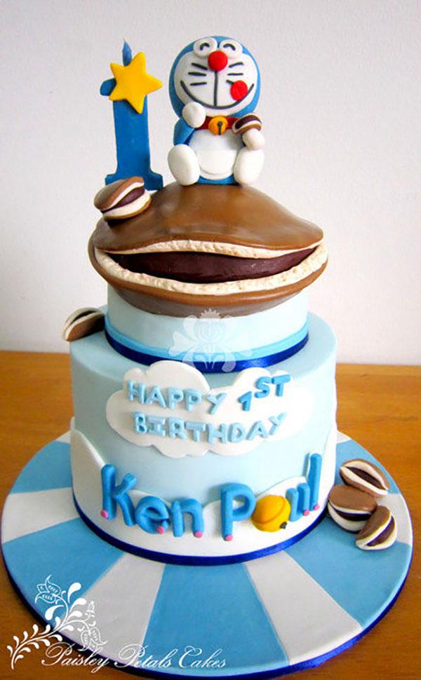 Torta di Doraemon in pasta di zucchero n.36