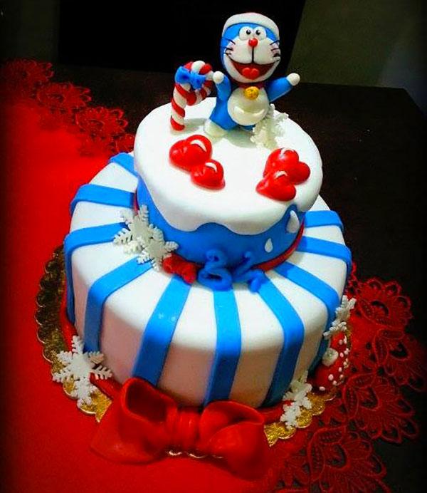Torta di Doraemon in pasta di zucchero n.41