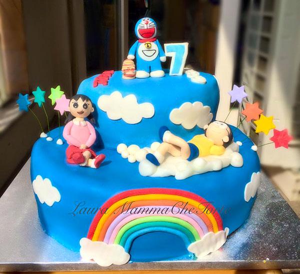 Torta di Doraemon in pasta di zucchero n.43