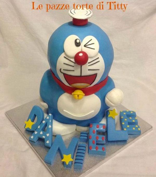 Torta di Doraemon in pasta di zucchero n.45