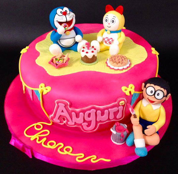 Torta di Doraemon in pasta di zucchero n.46