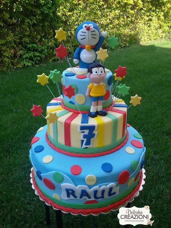 Torta di Doraemon in pasta di zucchero n.48