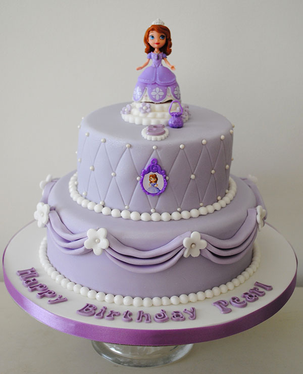 Torta di Sofia la Principessa con decorazioni in pasta di zucchero n.01