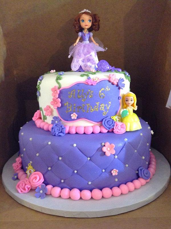 Torta di Sofia la Principessa con decorazioni in pasta di zucchero n.02