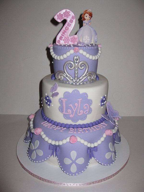 Torta di Sofia la Principessa con decorazioni in pasta di zucchero n.05