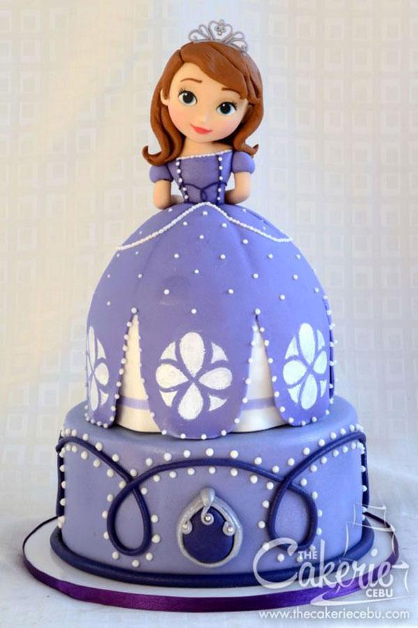 Torta di Sofia la Principessa con decorazioni in pasta di zucchero n.06