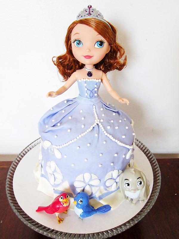 Torta di Sofia la Principessa con decorazioni in pasta di zucchero n.09