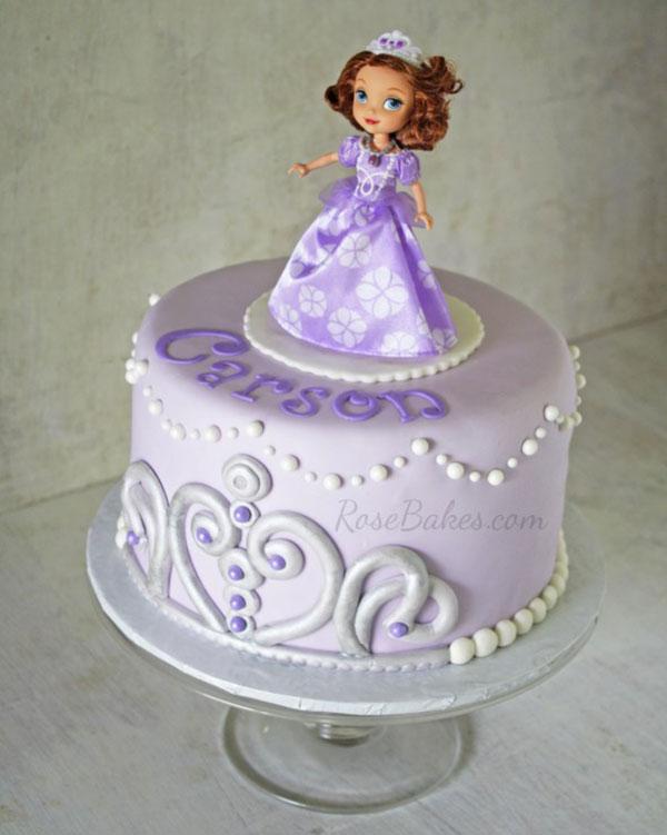 Torta di Sofia la Principessa con decorazioni in pasta di zucchero n.20