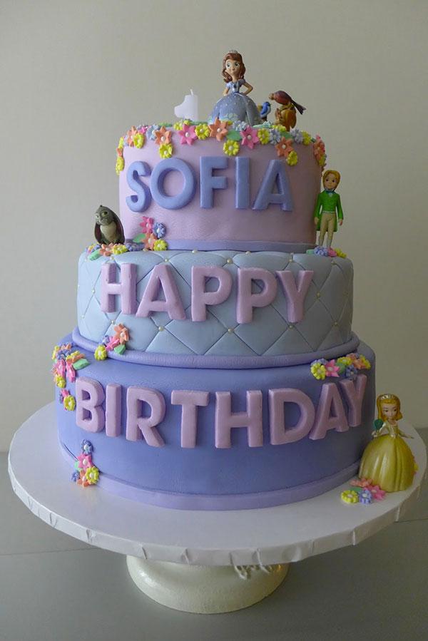 Torta di Sofia la Principessa con decorazioni in pasta di zucchero n.26