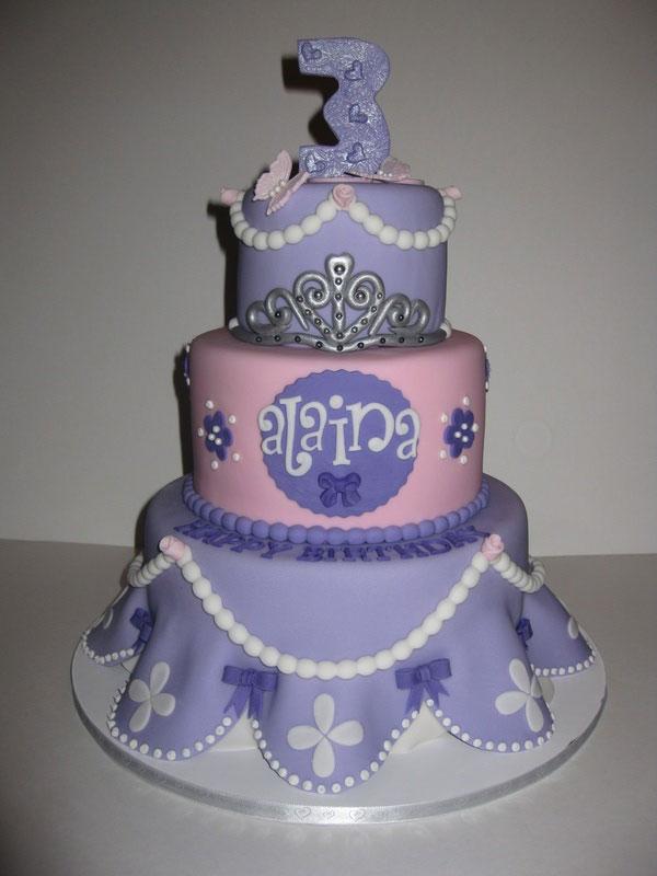 Torta di Sofia la Principessa con decorazioni in pasta di zucchero n.28