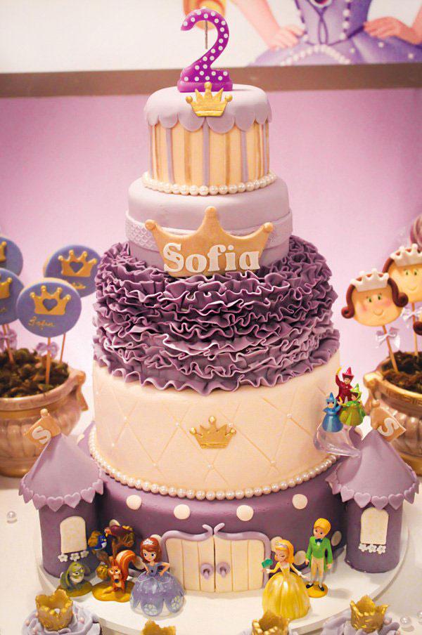 Torta di Sofia la Principessa con decorazioni in pasta di zucchero n.36