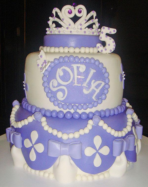 Torta di Sofia la Principessa con decorazioni in pasta di zucchero n.44