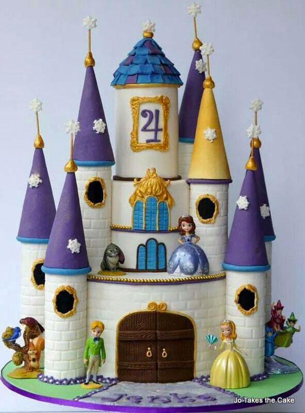 Torta di Sofia la Principessa con decorazioni in pasta di zucchero n.45
