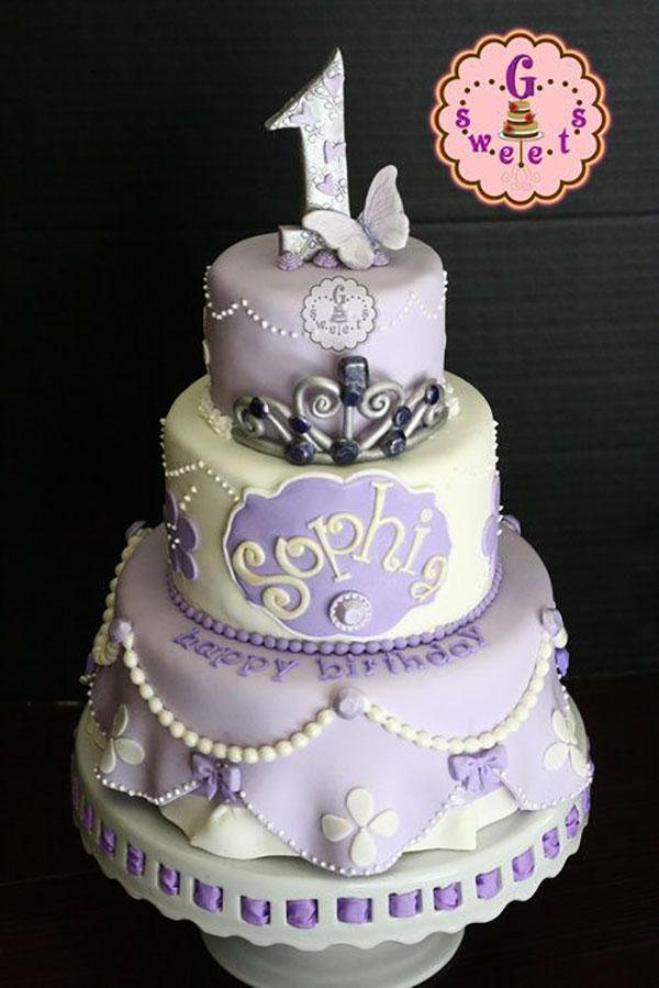 Torta di Sofia la Principessa con decorazioni in pasta di zucchero n.64