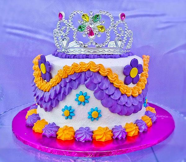 Torta di Sofia la Principessa con decorazioni in pasta di zucchero n.70