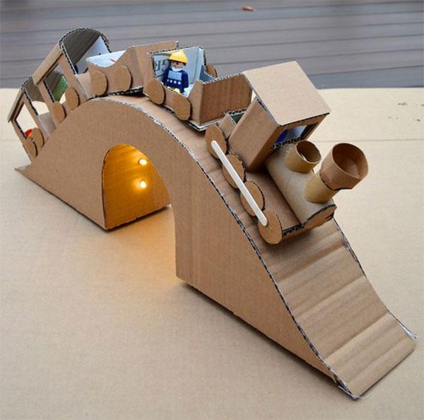 Come creare un trenino con il cartone