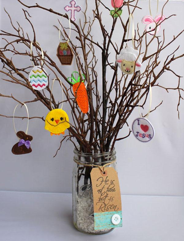 Albero di Pasqua con decorazioni di feltro