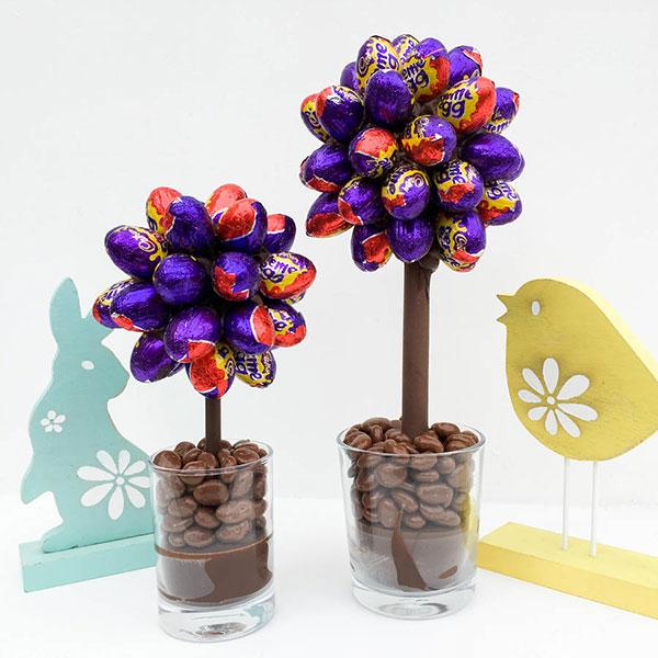 Albero di Pasqua creato con ovetti di cioccolato