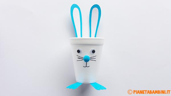 Come creare un coniglietto pasquale con un bicchiere termico