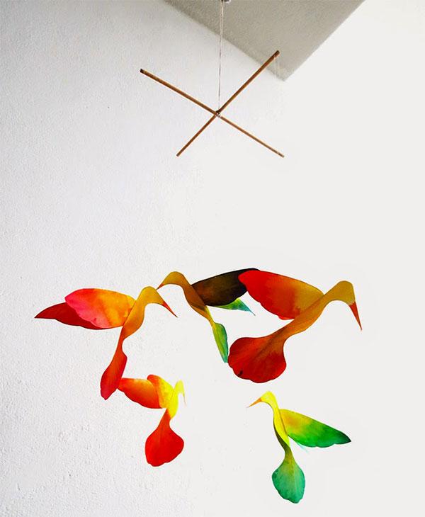 Giostrina per culla con uccelli di carta