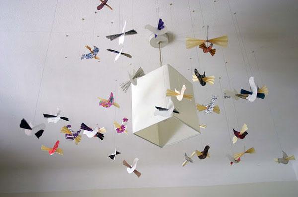 Giostrina per culla con uccelli di carta e stoffa